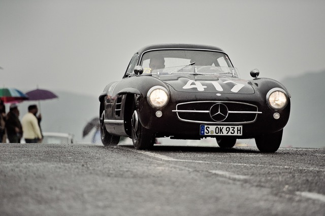 300 SL in teh 2012 Milel Miglia with Dr. Dieter Zetsche at the wheel