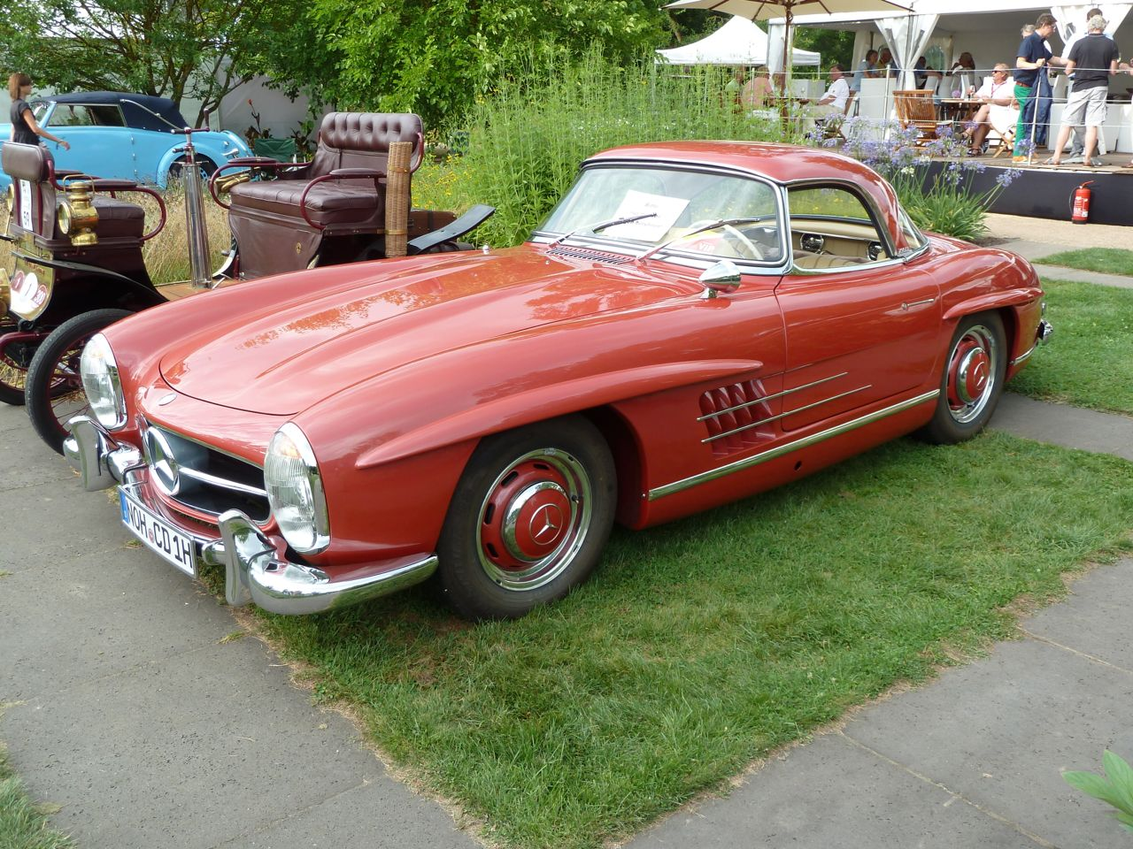 300 SL Roadster in Buchararot